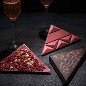 Aguara čokolada posvećena penušavom vinu Blanc de Noirs