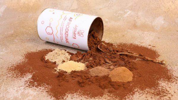 AFRODIZIJAK - Kakao napitak sa cimetom, anisom, pimentom, đumbirom i komadićima tamne čokolade