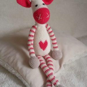 M.F.S. - Ručni rad, Ekološka igračka, Žirafa sa srcem, Niš, Prodaja, handmade, amigurumi, poklon, deca, igracke, miljinafabrikasnova, @miljina_fabrika_snova