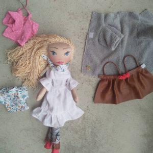 Lutka sa garderobom